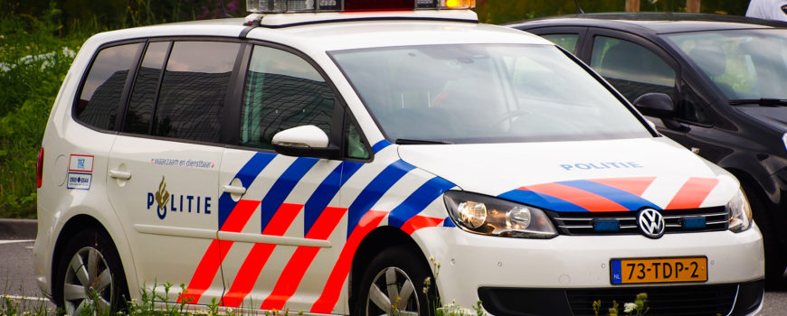 Politie_VW_met_kenteken_73-TDP-2_in_Hoofddorp