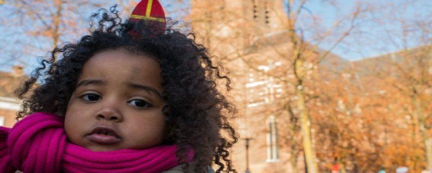 Sinterklaas en Zwarte Pieten in Deurne (Foto: Hein van Bakel)